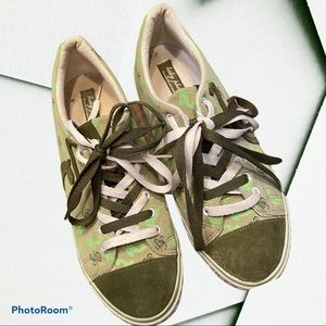 Sz 10 Baby Phat Canvas sneakers logo in greens